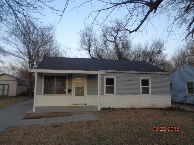 2016 S Glenn, Wichita, KS 67213 (MLS #548701) :: On The Move