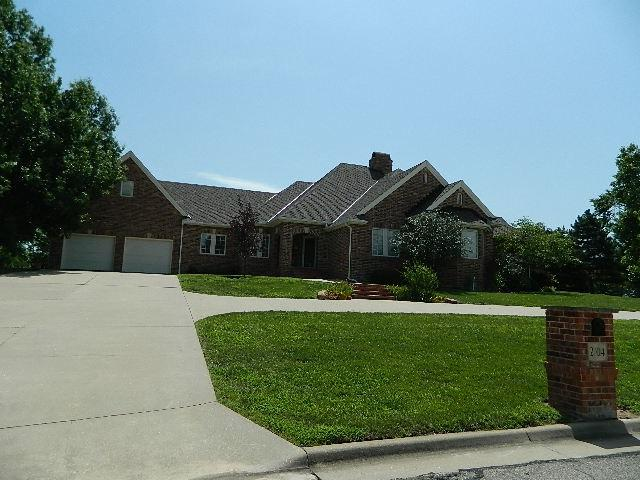 2704 Cabrillo Dr., Winfield, KS 67156 (MLS #553641) :: Select Homes - Team Real Estate
