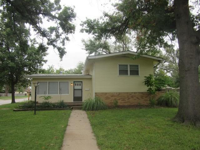 954 N Denmark, Wichita, KS 67212 (MLS #556789) :: On The Move