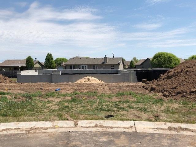 1624 N Bellick Ct, Wichita, KS 67235 (MLS #564763) :: Pinnacle Realty Group