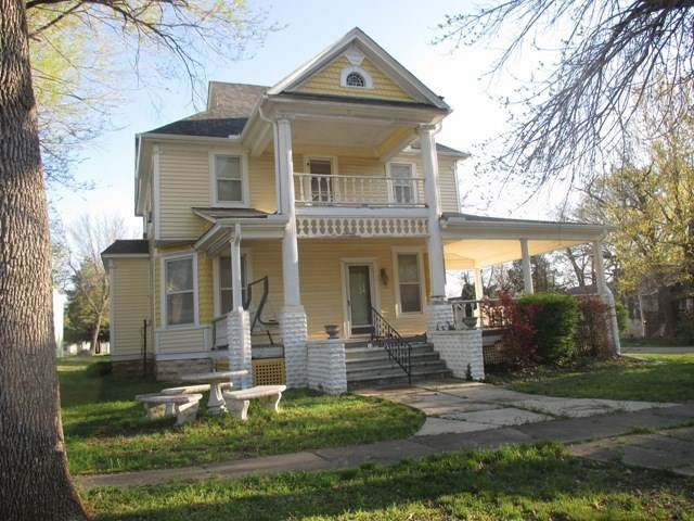 344 E Randolph, Howard, KS 67349 (MLS #571357) :: Preister and Partners | Keller Williams Hometown Partners