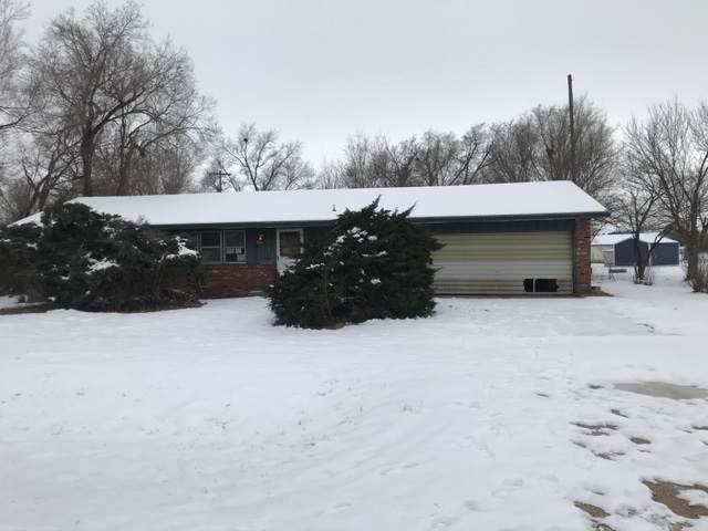 1809 Tracy Ln, Hutchinson, KS 67501 (MLS #577555) :: Lange Real Estate