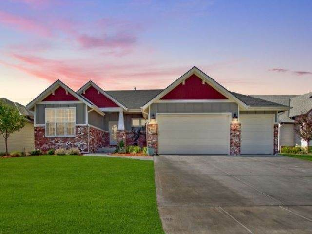 3813 N Estancia Ct, Wichita, KS 67205 (MLS #582971) :: Keller Williams Hometown Partners