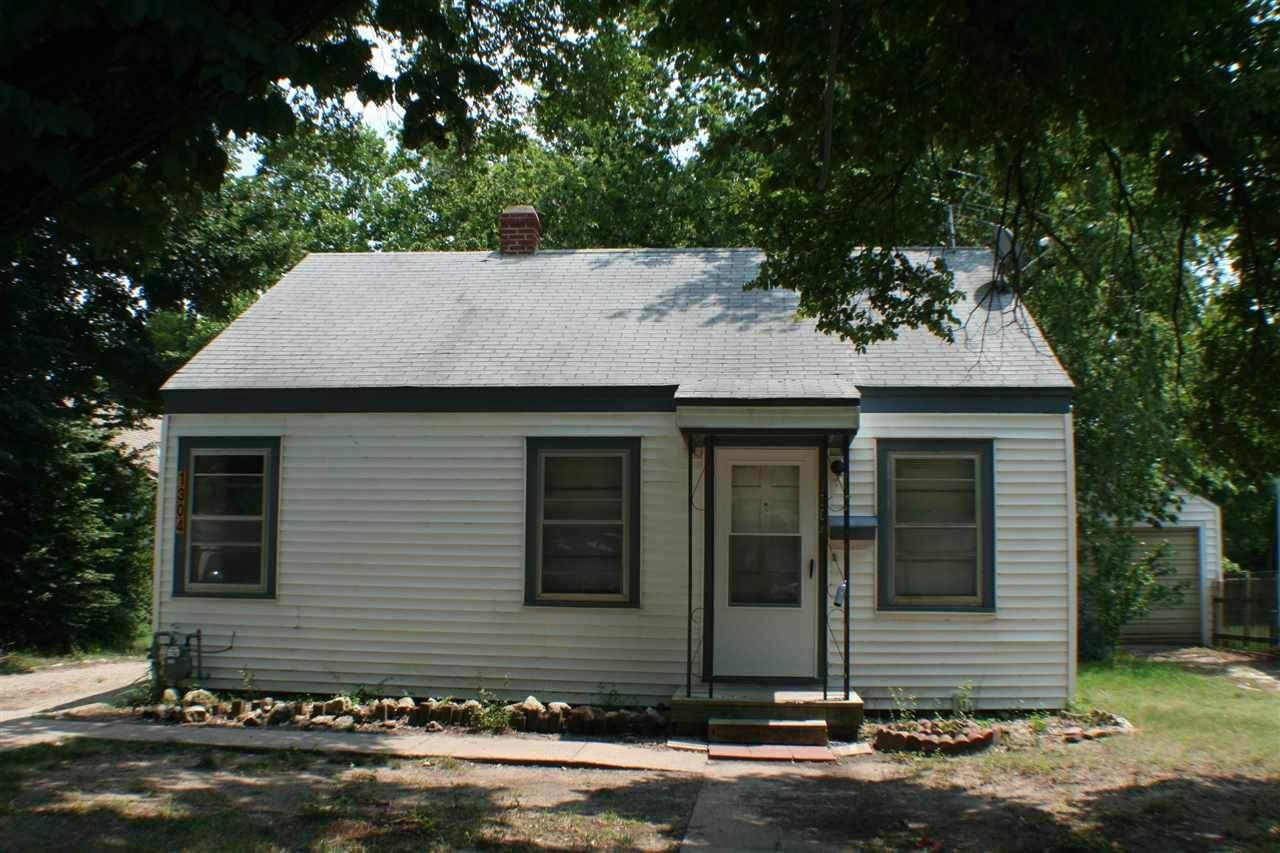 1304 Dearborn St - Photo 1