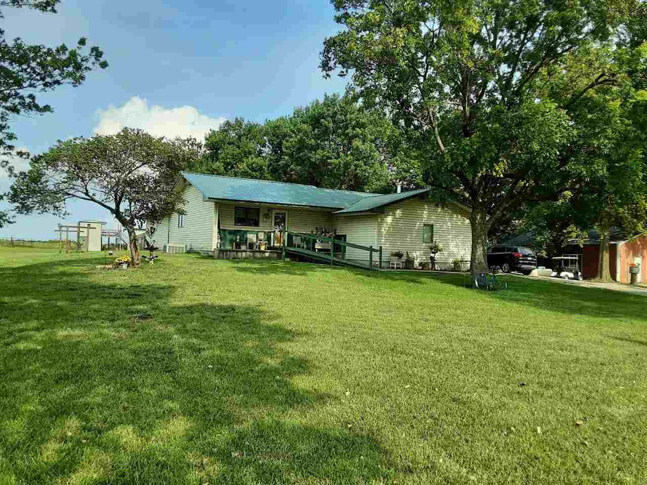 128 T Rd - Photo 1
