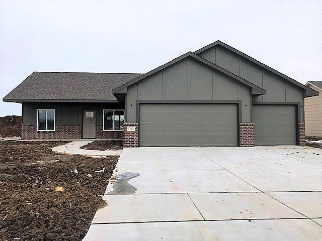 1549 N Aster Cir., Andover, KS 67002 (MLS #558560) :: On The Move