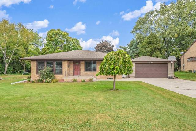 1346 Marshall Ave, Cleveland, WI 53015 (#1764325) :: Dallaire Realty