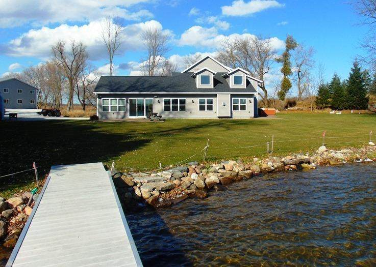 4201 Lake Dr - Photo 1