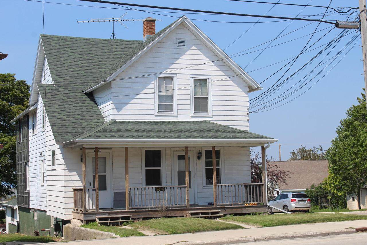 2618 Forest Ave - Photo 1