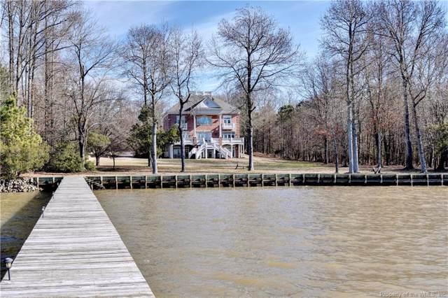3528 Barretts Ferry Drive, Williamsburg, VA 23185 (MLS #2000007) :: Chantel Ray Real Estate