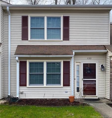 122 Briarwood Place, Yorktown, VA 23692 (MLS #2000402) :: Chantel Ray Real Estate