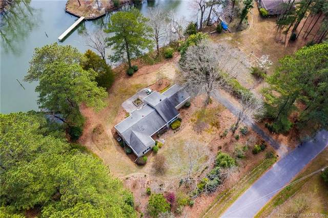 124 Paradise Point Road, Yorktown, VA 23692 (MLS #2001266) :: Chantel Ray Real Estate