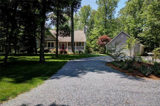18 Quarters Cove Drive, Kilmarnock, VA 22576 (#1802504) :: Abbitt Realty Co.