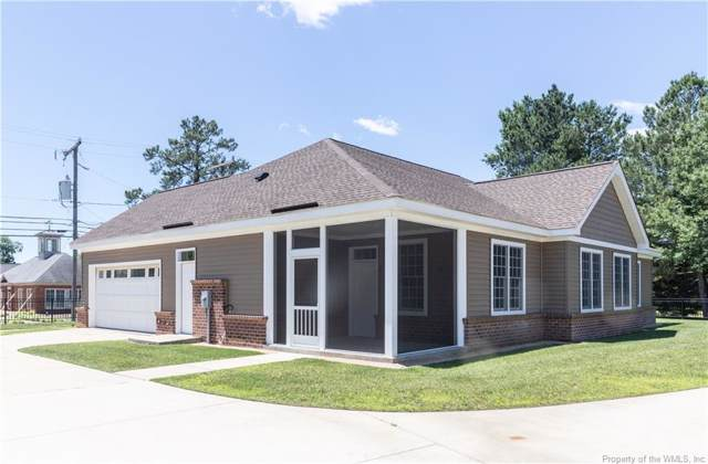 40 Village Point, Mathews, VA 23109 (MLS #1901560) :: Chantel Ray Real Estate