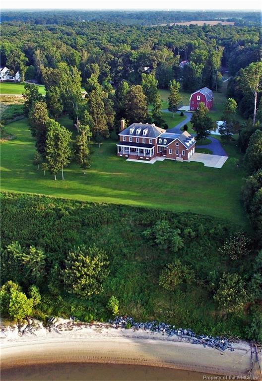 16901 W Rivers Edge Trail, Smithfield, VA 23430 (MLS #1832421) :: Small & Associates