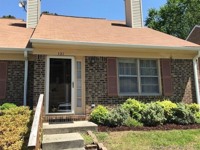 121 Briarwood Place, Yorktown, VA 23692 (#1902271) :: Abbitt Realty Co.