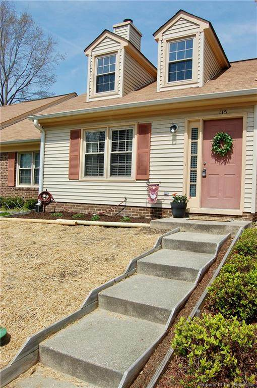 115 Briarwood Place, Yorktown, VA 23692 (MLS #2001284) :: Chantel Ray Real Estate