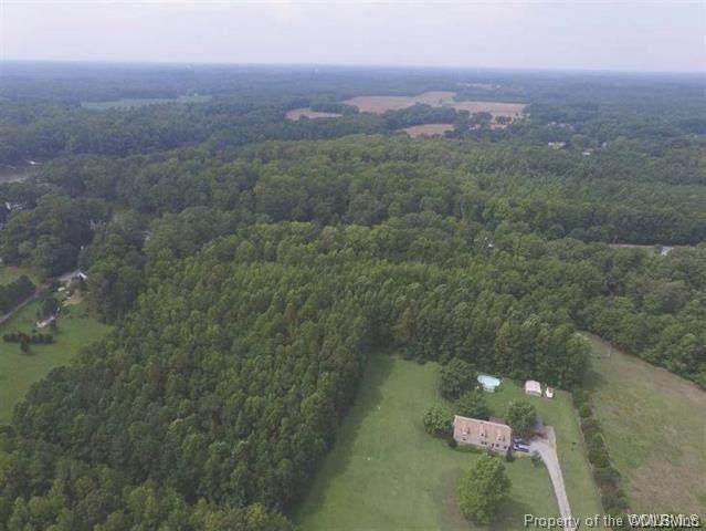 17 Pine Reach Drive, Kilmarnock, VA 22482 (#2100340) :: The Bell Tower Real Estate Team