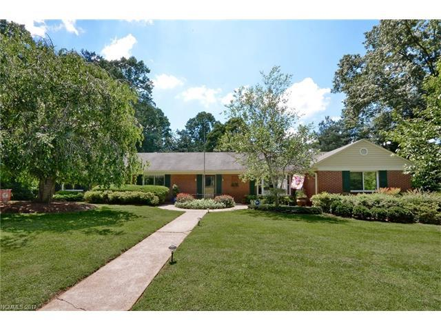4 Dogwood Road, Asheville, NC 28804 (#3281174) :: Rowena Patton's All-Star Powerhouse @ Keller Williams Professionals