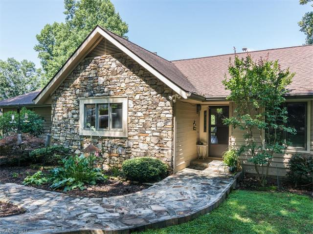 1450 Mountain Meadow Drive #9, Hendersonville, NC 28739 (#3302594) :: Caulder Realty and Land Co.