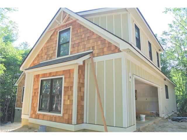 674 Kanasgowa Drive, Brevard, NC 28712 (#3303202) :: Exit Mountain Realty