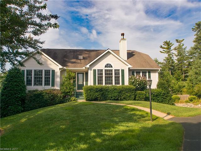 23 Old Applewood Lane, Hendersonville, NC 28739 (#3305607) :: Caulder Realty and Land Co.
