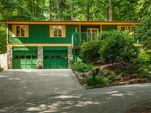 321 Woodland Trail, Hendersonville, NC 28739 (#3305883) :: Caulder Realty and Land Co.