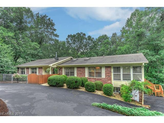 437 Deerhaven Lane, Hendersonville, NC 28791 (#3311425) :: Rowena Patton's All-Star Powerhouse @ Keller Williams Professionals