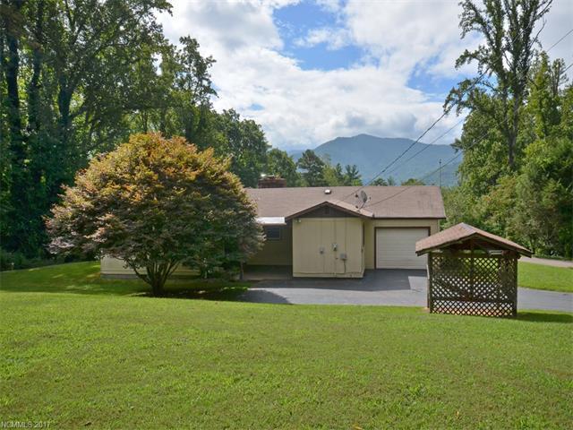 300 Woodland Drive, Swannanoa, NC 28778 (#3317890) :: Exit Realty Vistas