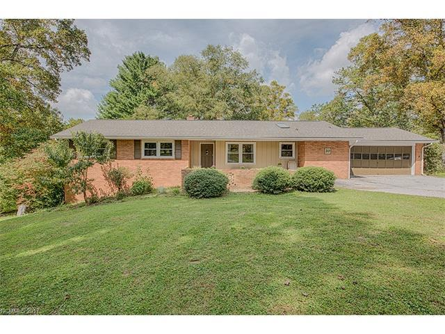 20 Country Road, Hendersonville, NC 28791 (#3318417) :: Team Browne - Keller Williams Professionals Realty