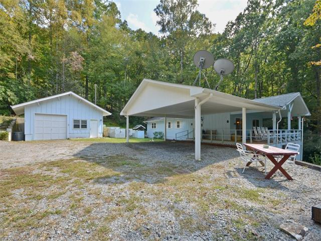 3138 Old Ccc Road, Hendersonville, NC 28739 (#3322394) :: Exit Realty Vistas