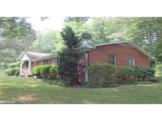 126 Mockingbird Drive, Hendersonville, NC 28792 (#3322438) :: Caulder Realty and Land Co.
