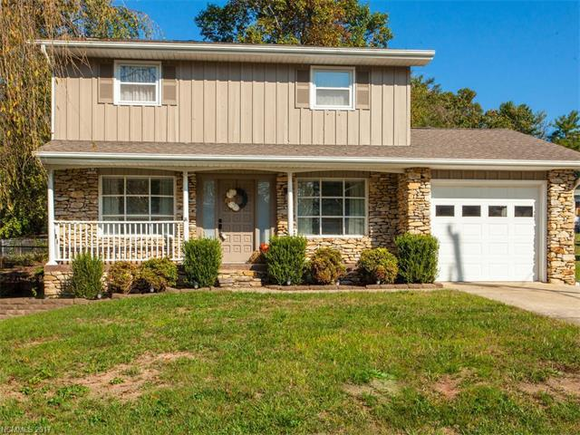 1107 Cherokee Drive, Hendersonville, NC 28739 (#3322723) :: Caulder Realty and Land Co.