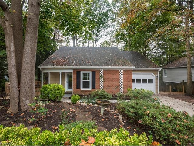 4 Silver Lace Circle, Arden, NC 28704 (#3327936) :: Rowena Patton's All-Star Powerhouse @ Keller Williams Professionals
