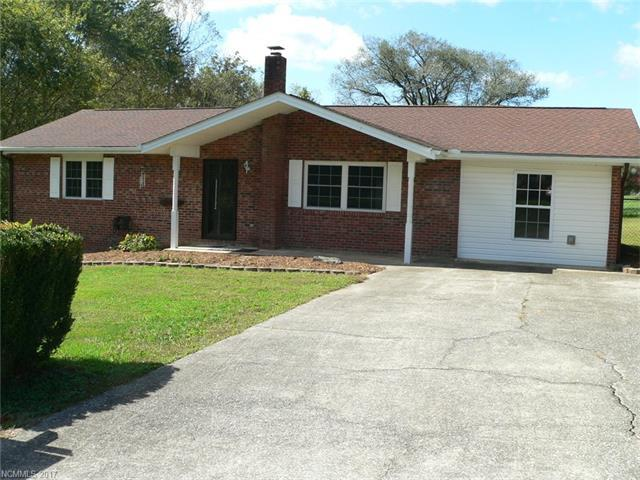 257 Allenwood Circle, Hendersonville, NC 28792 (#3329313) :: Caulder Realty and Land Co.