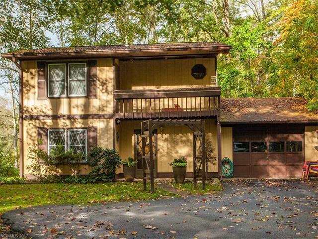 3 Thornwood Lane, Hendersonville, NC 28792 (#3329977) :: Caulder Realty and Land Co.