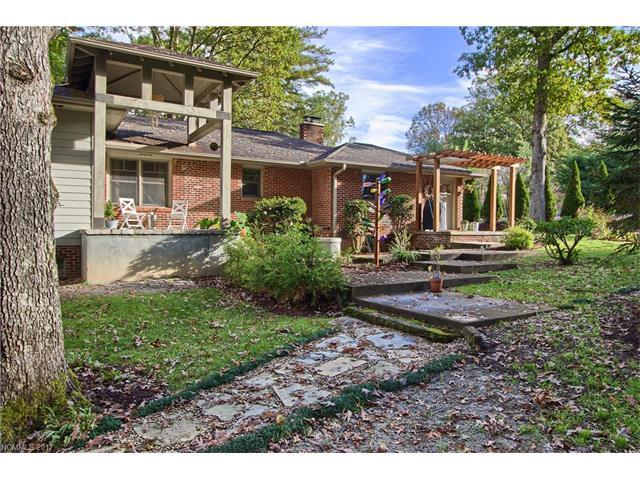 275 S Rugby Road, Hendersonville, NC 28791 (#3330208) :: Rowena Patton's All-Star Powerhouse @ Keller Williams Professionals