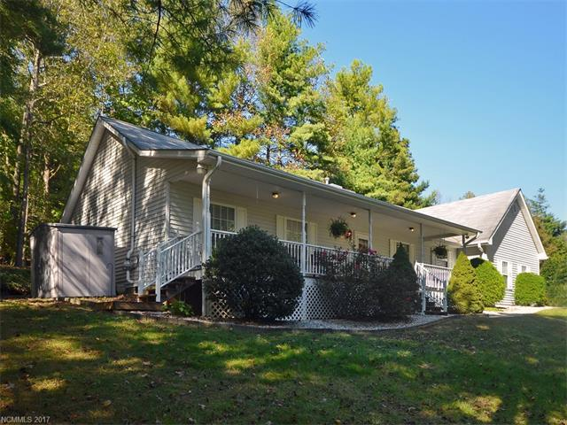 720 Chestnut Trail, Hendersonville, NC 28792 (#3330726) :: Caulder Realty and Land Co.