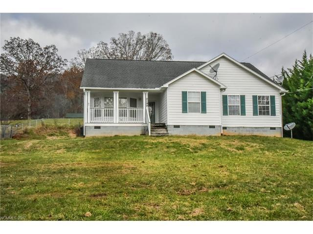 3199 N Clear Creek Road, Hendersonville, NC 28792 (#3337385) :: Exit Mountain Realty