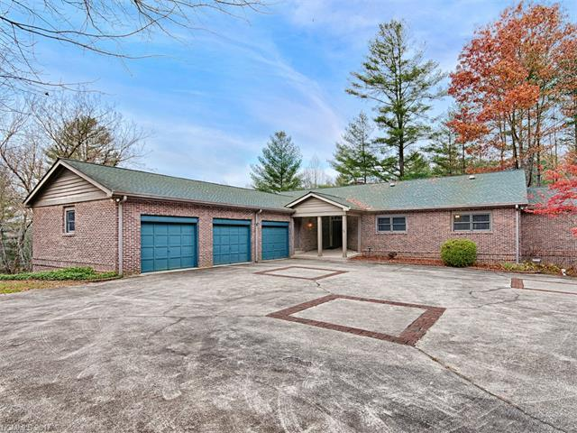 3540 Willow Creek Road, Hendersonville, NC 28739 (#3339450) :: RE/MAX Four Seasons Realty
