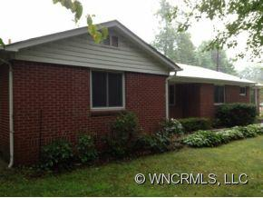 1732 Haywood Rd, Hendersonville, NC 28791 (#NCM523683) :: Exit Realty Vistas