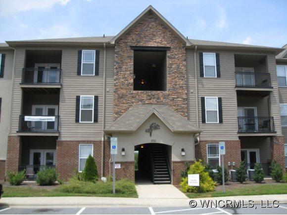 181 Brickton Village Circle #108, Fletcher, NC 28732 (#NCM524682) :: Exit Realty Vistas