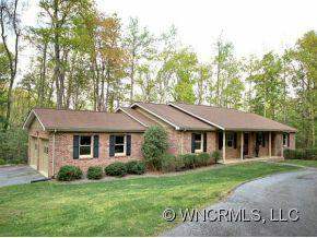 121 Continental Drive, Flat Rock, NC 28731 (#NCM525542) :: Exit Realty Vistas