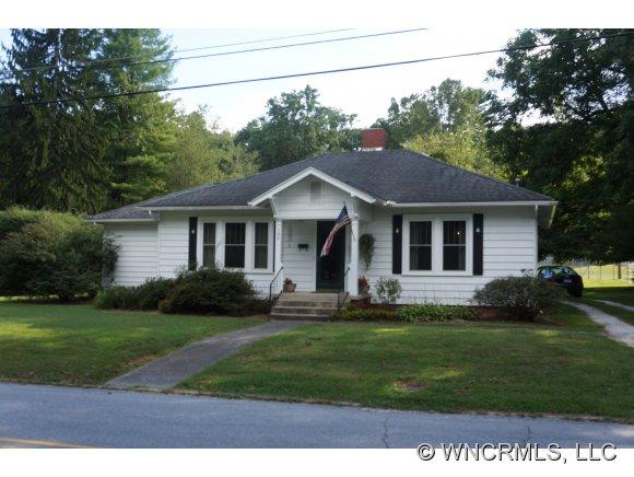 196 East French Broad Street, Brevard, NC 28712 (#NCM525610) :: Exit Realty Vistas
