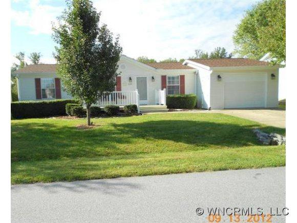 224 Riverwind Drive, Hendersonville, NC 28739 (#NCM525937) :: Exit Realty Vistas