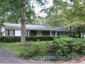 211 Balsam Road, Hendersonville, NC 28792 (#NCM525952) :: Exit Realty Vistas