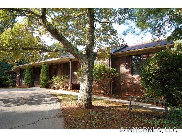 1 Claircastle Drive, Weaverville, NC 28787 (#NCM526346) :: Exit Realty Vistas
