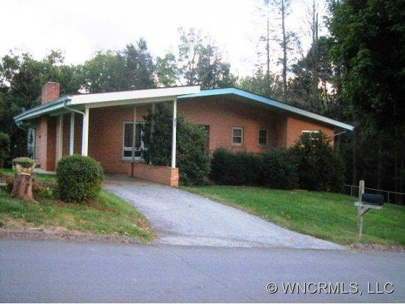 160 Leatherwood Street, Waynesville, NC 28786 (#NCM526752) :: Exit Realty Vistas