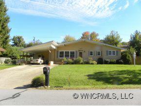 495 Shelton Street, Waynesville, NC 28786 (#NCM527362) :: Exit Realty Vistas