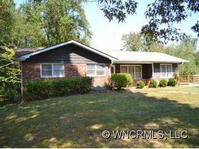 101 Leverette Drive, Hendersonville, NC 28791 (#NCM527417) :: Exit Realty Vistas